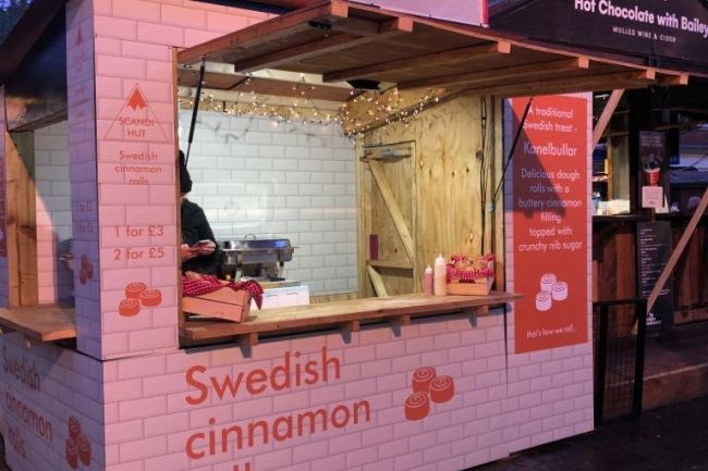 cinamon_bun_stall_christmas_markets